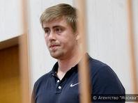 Гагаринский районный суд Москвы отправил под административный арест на 15 суток Виктора Ускова, участвовавших в гонке по столичным улицам на внедорожнике