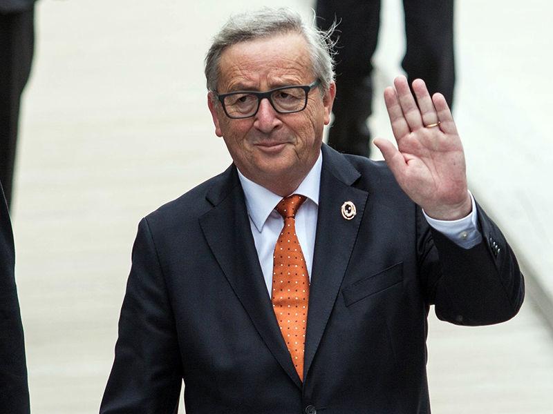 Европейские и американские политики выразили недовольство по поводу предстоящего визита в Россию председателя Еврокомиссии Жан-Клода Юнкера, который запланирован на июнь
