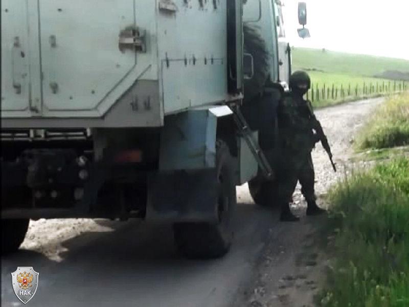 """В Дагестане в ночь на воскресенье в ходе перестрелки были убиты двое боевиков. Силовики установили их личности: одно называют главарем """"дербентской"""" бандгруппы"""