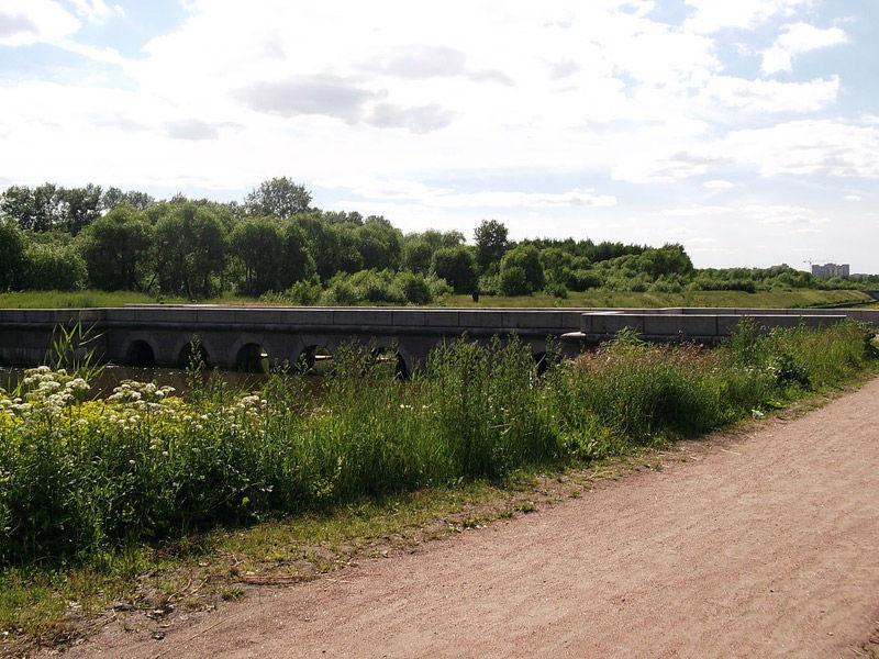 Топонимическая комиссия Санкт-Петербурга решила рекомендовать губернатору Георгию Полтавченко назвать мост через Дудергофский канал в честь первого президента Чечни Ахмата Кадырова