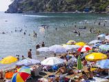 Из родных курортов россиян больше всего манит Крым, но отдыхать туда поедут немногие, выяснили социологи