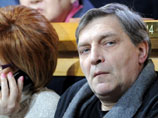 Александр Невзоров добровольно сдал в полицию три охотничьих ружья