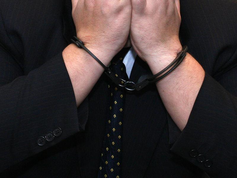 В Новосибирске чиновник Росрезерва задержан за получение взятки в виде Porsche Cayenne