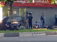 По словам собеседника агентства, около 7 утра сын экс-министра за рулем BMW Х6 столкнулся с автомобилем Skoda на улице Правды, после чего внедорожник отшвырнуло на остановку с людьми