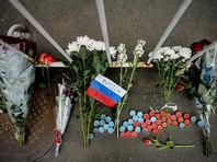 У посольства США в Москве прошла акция памяти погибших в Орландо: двоих задержали