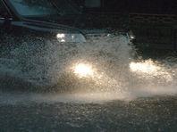 В затопленном Краснодаре подростка, переходившего улицу, убило током