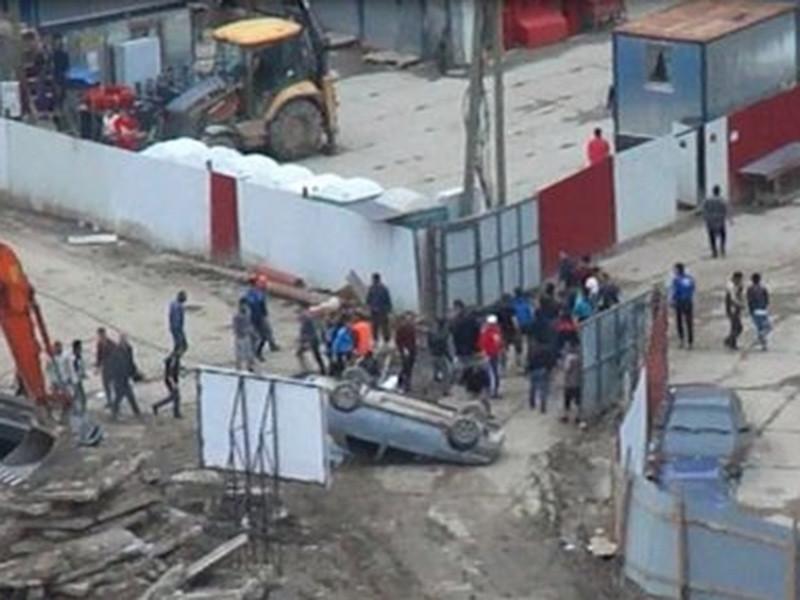 Массовая драка мигрантов произошла на стройке в деревне Кудрово под Санкт-Петербургом, где возводятся новые жилые массивы