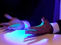 Адвокат Белых объяснил флуоресцентную краску на руках губернатора