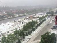 В административном центре Северной Осетии Владикавказе прошел сильнейший ливень вместе с градом