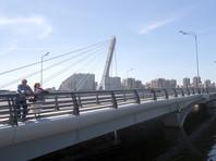"""У властей Петербурга возникли проблемы с установкой официальной вывески """"Мост Кадырова"""""""