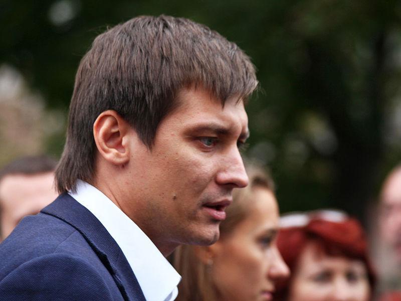 """В Петербурге ведут """"черные списки"""" и охотятся на людей, критикующих власть, заявил Гудков"""