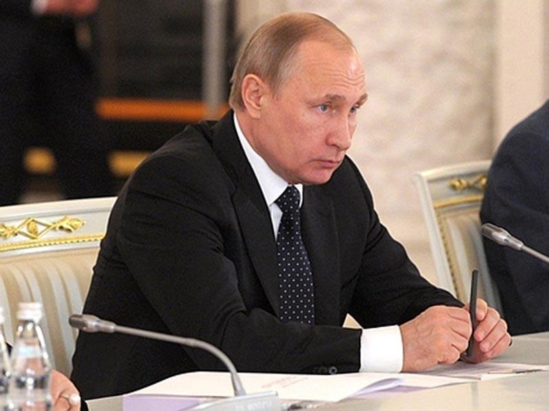 Президент РФ Владимир Путин предложил ввести уголовную ответственность для силовиков за нарушение прав бизнесменов. Он также сообщил, что внес в Госдуму предложения по гуманизации экономических статей