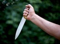 По центру Москвы полчаса ходил мужчина с ножом, угрожая прохожим