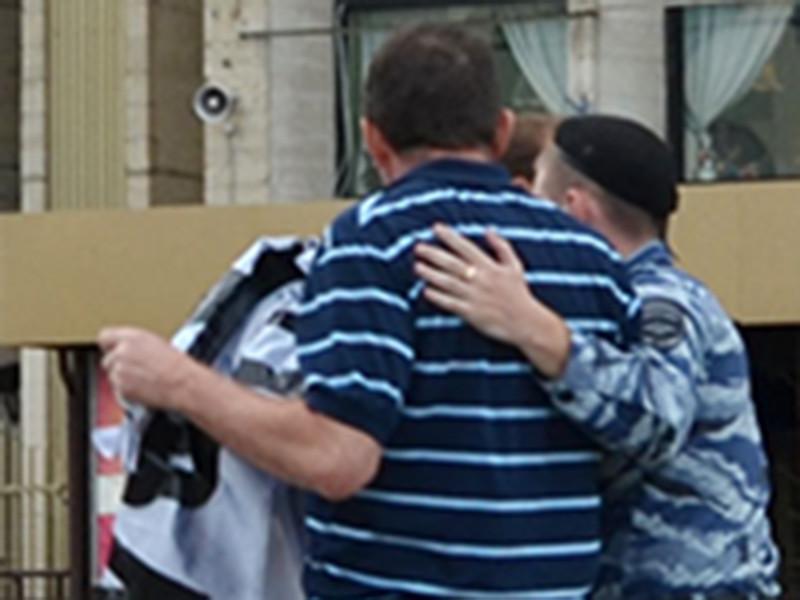 """Полиция задержала пятерых участников акции """"За Россию без диктатуры"""", которую организовало местное отделение движения """"Солидарность"""""""