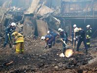 Под завалами сгоревшей мебельной фабрики в подмосковном Фрязине нашли тела двух пожарных