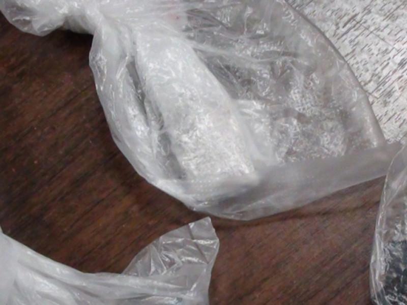 Сотрудники правоохранительных органов взяли с поличным молодого человека, распространявшего наркотические вещества на территории прихода и за его пределами