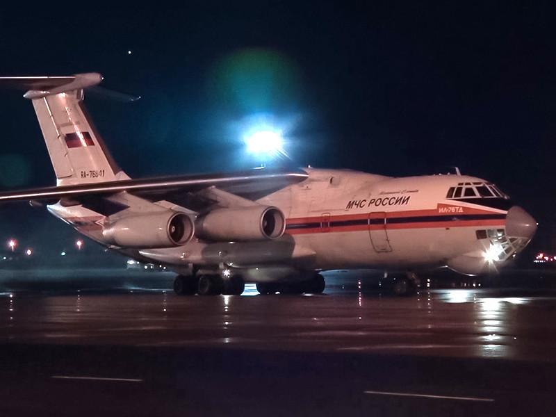 Самолет МЧС России с телами детей, погибших в Карелии на Сямозере