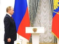 Путин назвал ПМЭФ площадкой, на которой российские и зарубежные политики, представители деловых кругов и общественных организаций обмениваются опытом, предлагают прорывные решения в разных областях экономики, финансов, торговли, инвестиций