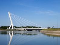 Указ о присвоении мосту имени Ахмата Кадырова Полтавченко подписал 15 мая, но официально Смольный объявил об этом на следующий день