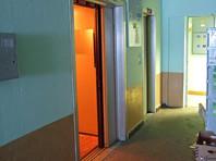 """В Екатеринбурге мужчину будут судить по обвинению в экстремизме за """"наскальную живопись"""" в лифте"""