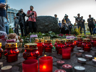 В Карелии зажгли сотни свечей в память о погибших детях