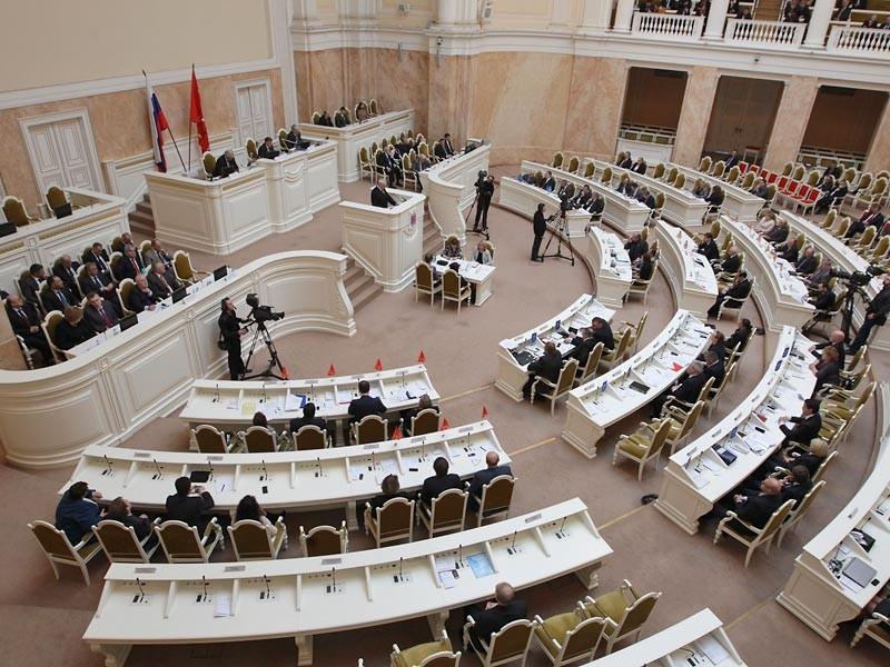 """Парламент Петербурга не захотел обсуждать обращение к губернатору против """"моста Кадырова"""""""