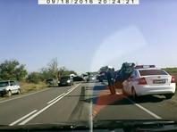 В Крыму Ford на встречной полосе попал под БТР: двое погибших