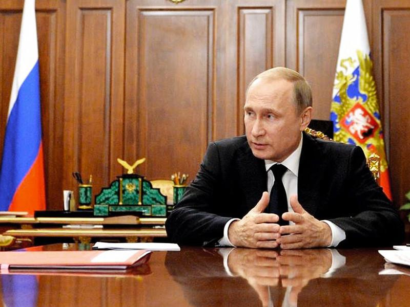 Пресса, продолжая комментировать масштабные кадровые перестановки, принятые накануне президентом РФ Владимиром Путиным, описывает, как они готовились, называет их причины и прогнозирует последствия новых назначений