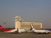 Cамолет вылетел из столицы Бурятии Улан-Удэ в Якутск, но через 40 минут запросил место для посадки, так как у него после вылета не убралась одна из стоек шасси. В связи с этим было принято решение вынужденно приземлиться в аэропорту Хабаровска