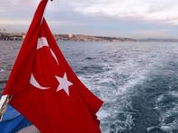 """Как передает """"Коммерсант"""", 60% респондентов считают, что властям РФ не стоит спешить сближаться с турецкими партнерами. Чуть менее трети - 27% - россиян поддержали курс на восстановление отношений с Турцией"""