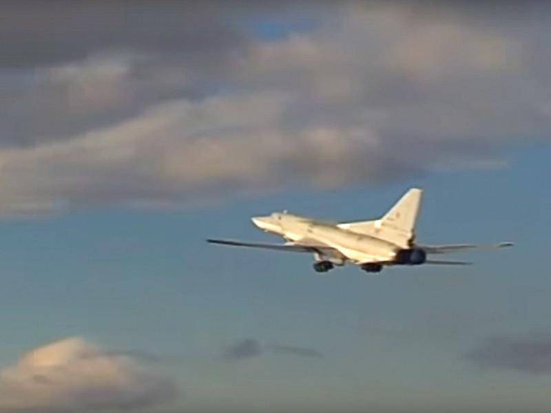 Шесть дальних бомбардировщиков Ту-22М3 утром в четверг, 14 июля, нанесли новые удары по объектам боевиков в районах городов Эс-Сухне, Арак и станции перекачки нефти Т-3 в провинции Хомс