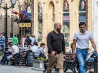 У россиян снизился интерес к выборам. Если за два месяца до прошлых выборов - в октябре 2011 года - эта тема была актуальна для почти двух третей опрошенных (62%), то в июне 2016 года ее обсуждают меньше половины россиян (45%)
