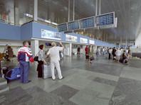 В Москве из-за тяжелых погодных условий начались массовые отмены и задержки рейсов в столичных аэропортах
