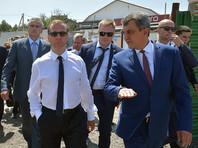 """""""Поэтому, раз уж деньги сюда приходят, нужно, чтобы они были наиболее рациональным образом потрачены"""", - подчеркнул Медведев. """"Контролируйте обязательно, просто лично этим занимайтесь"""", - напутствовал он Сергея Аксенова и Сергея Меняйло"""
