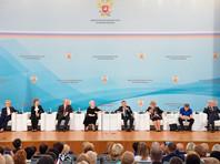Председатель правительства России Дмитрий Медведев  на пленарном заседании Всероссийского совещания педагогических работников