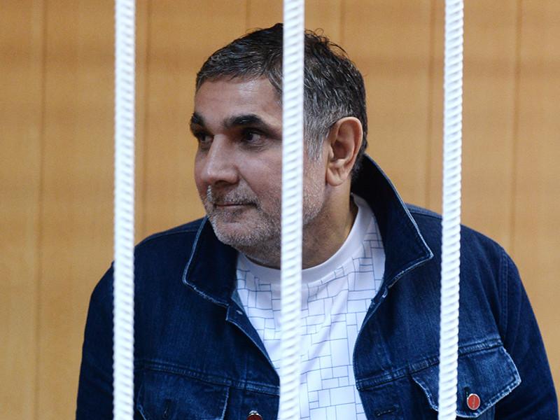 Арестованный за вымогательство криминальный авторитет Захария Калашов, известный как Шакро Молодой, стал фигурантом дела об организации преступного сообщества