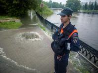 Рекордные ливни в Москве: Яуза вышла из берегов, людей эвакуируют из автомобилей