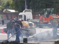 В Астрахани строителей, нанятых жильцами дома, оштрафовали за ремонт дороги