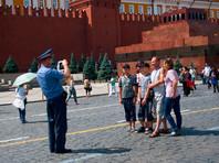 Путин поручил сделать Кремль более открытым для туристов