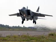 Истребители-перехватчики МиГ-31 и бомбардировщики Су-24 подняты в воздух по учебной тревоге в ЦВО