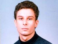 Учитель информатики Дмитрий Гущин, проработавший в гимназии 17 лет, сообщил на своей странице в Facebook, что директор школы заставляла учителей подделывать - подчищать и исправлять - итоговые (годовые) оценки ученикам