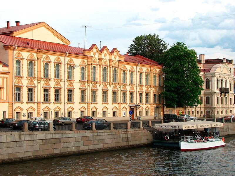 В ФСБ объяснили обыски в библиотеке имени Маяковского