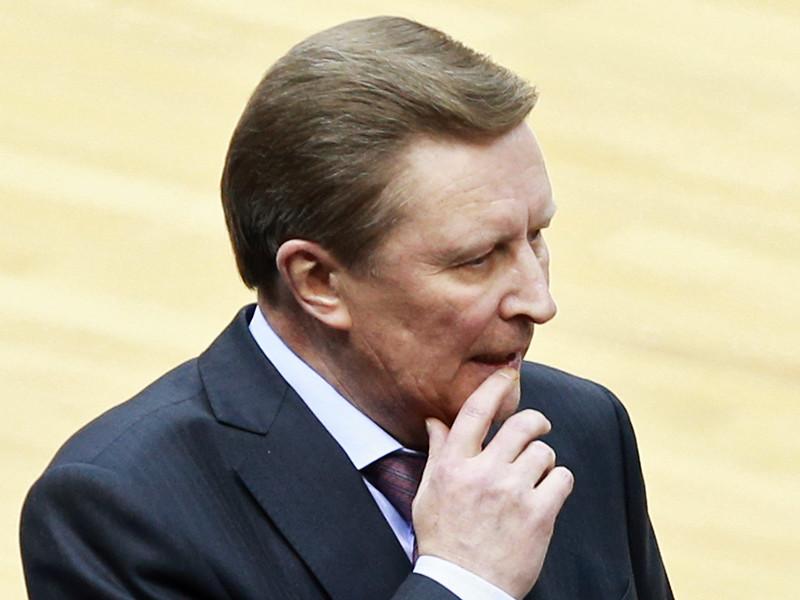 Президент России Владимир Путин отстранил от должности главу своей администрации Сергея Иванова