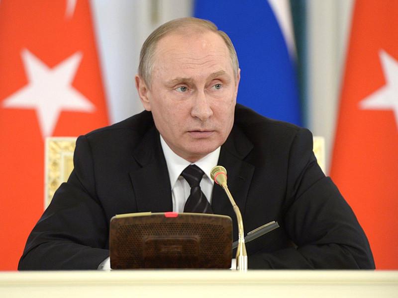 На пресс-конференции после встречи с президентом Турции Реджепом Тайипом Эрдоганом Владимир Путин рассказал об освобождении американского гражданина, которого удерживали в течение нескольких лет сирийские власти