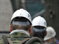 """По данным агентства, такое решение было принято во время пикета шахтеров перед головным офисом компании """"Кингкоул"""", где собрались около 200 человек - работники четырех шахт"""