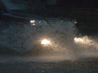 Москвичей предупредили о сильном ливне в ночь на понедельник