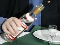 В воронежском селе первому избирателю подарили бутылку водки. Он пришел за 15 минут до открытия участка