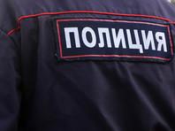 Приамурский полицейский застрелил на стадионе тощего беззубого медведя, помиравшего от старости