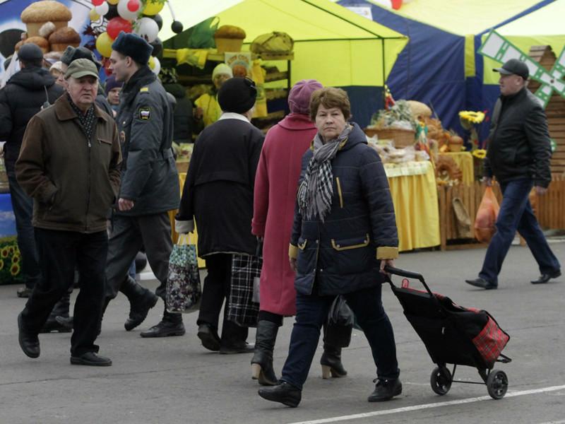 Большинство россиян не испытали радости от решения правительства заменить индексацию пенсий в 2016 году единовременной выплатой, выяснили социологи