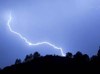 Удар молнии лишил жителей  Ненецкого округа сотовой связи и  интернета на девять часов